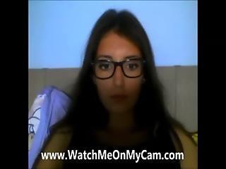 Free Private Webcam - Watchmeonmycam.com