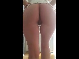 Dance And Ass Flashing ;)