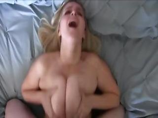 blondynka, obciąganie, cycek, Para, sperma, połykanie spermy, wytrysk, ruchanie, milf, punkt widzenia, połyk, stosunek międzypiersiowy