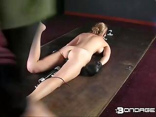 Bambola, Tette Grandi, Bionda, Bondage, Fetish, Pallida