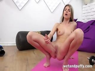 Wet Juicy Pussy With Yoga Babe Gina Gerson