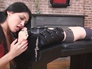 Carmen Lick Tickle