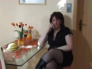 Extreme Mom Insertion And Squirt - Xvideos.com