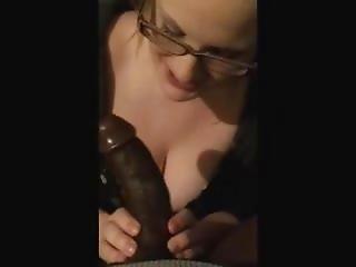 Adorable White Girl Sucks Off Beautiful Black Cock ??