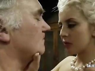 pillua nuolee orgiamusta Prono suku puoli
