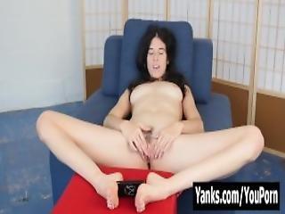 Horny Yanks Bella Masturbates