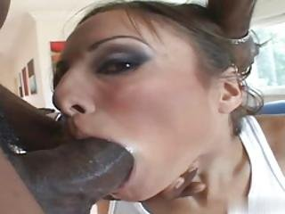 Amber Rayne Is The Gal You Want When Youre Aching To Catch Some