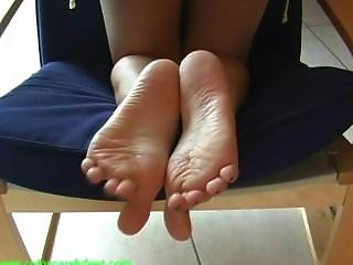 Virginie Shoes Off And Her Beautiful Soles (part 1)
