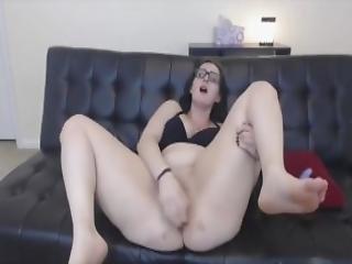 Teen Brunette Scarlet With Huge Booty Masturbates Mp4