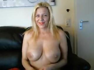blonde, fétiche, masturbation, mature, fumeur, jet de mouille, webcam