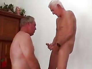 Un mignon couple essaye le trio - reference-sexecom
