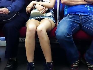 Japanese Upskirt No Panties In Train