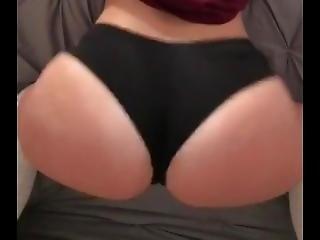 Twerking Hoe