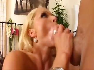 Milf Ass Lick 2