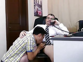 Older Dilf Barebacking Pinoys In Office Threesome