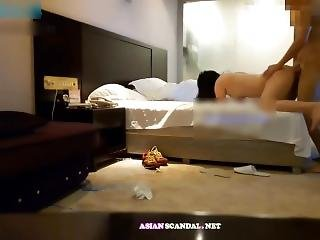 Fucking_asian_girlfriend_in_the_hotel_room