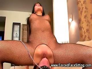 dominatrix, aufs gesicht setzen, femdom, fetisch, fischnetz, lecken, mätresse, mutter, Oralverkehr, muschi, sex, schlampe, ersticken, nass