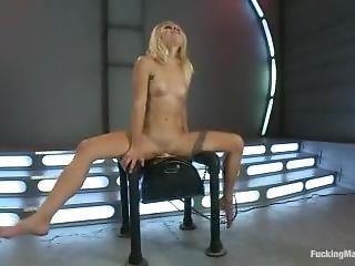Amazing Body Has Ridiculously Hard Orgasm On Fucking Machine
