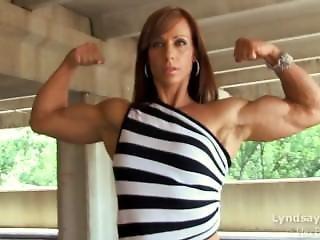 Lyndsay Dejager Stripeddress Incredible Arms