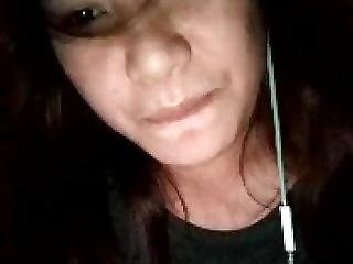 Filipina Fingers Her Wet Pussy On Camfrog
