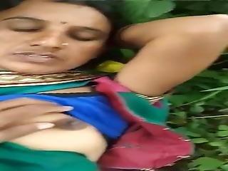 Marwadi Aunty Ko Jangal Me Chhoda