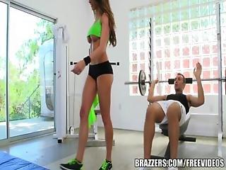 Brazzers - Kortney Kane S Needs Help Stretching
