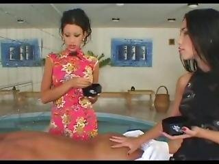 μελαχροινή, μασάζ, πορνοστάρ, thai