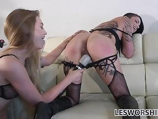 Fetish Lesbian Leigh Raven Lets Out Of Her Cage For Pussy Pleasure