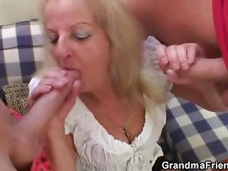 Theesome Party With Boozed Blonde Granny