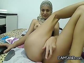 Steamy Arab Hooker With Her Hijab