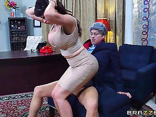 Experienced Office Lad Brings Eva A Good Anal Experience