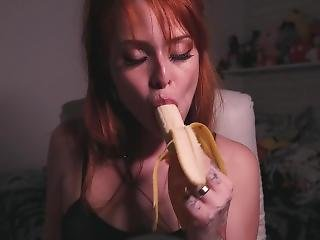 Asmr Blowjob Banana Whispering And Moan - Sussurando E Gemendo - Maru Karv