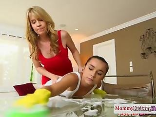 Cougar Milf Pussylicking Teen Cleaner Before Using Double Dildo