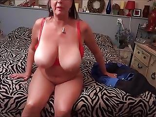 Hot Mom Masturbate Herself