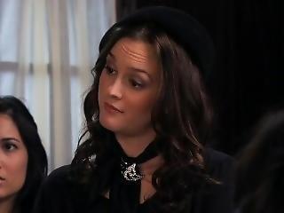 Hilary Duff - Gossip Girl S03e10 With Jessica Szohr