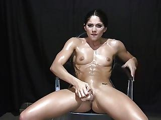 Stunning Body Fitness Babe Oils Up And Fucks Dildo