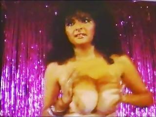 Nikki King In Big Top Cabaret 1/2