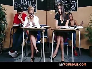 Brazzers - Stunning Brunette Schoolgirl Seduces Her Hot Blonde Classmate