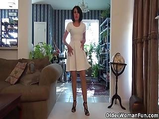 Cute Milf Gypsy Vixen From The Usa Strips Off Her Clothes And Spanks Her Gorgeous Cunt For Us Bonus Video: American Milf Sahara