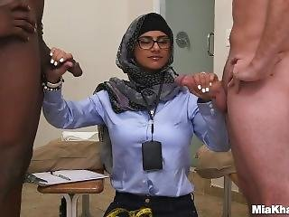 Mia Khalifa - Black Vs White, My Ultimate Dick Challenge.