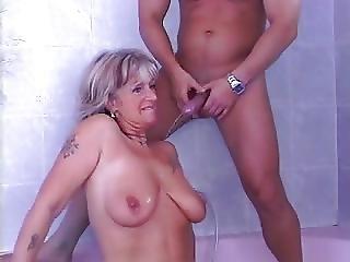 Mature Mom Sc17