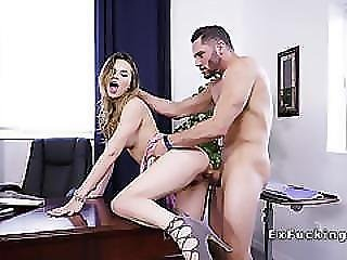 Spinner Girlfriend Bangs Lazy Bf In Office