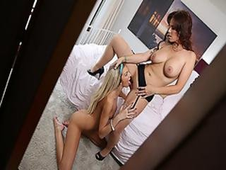 Tiffany Watsons Turn To Eat Syren Demers Pussy