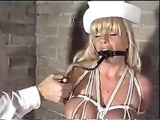 blonde, bondage, bave, fétiche, bâillonée, infirmière, pompée