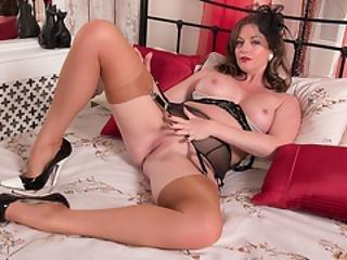 Busty Milf Holly Kiss Offers Kinky Naughty Nylon Heel Garter Self For Pleasure Sexual Masturbation