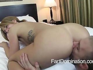 Nice Fartgirl