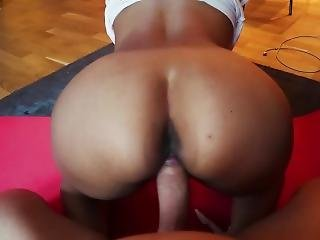 Fat�college�ass�fucked�on�yoga�mat