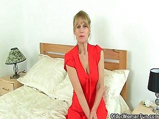 British Milfs Ila Jane And Lelani Can T Resist Their Pussy