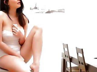 Store Bryster, Sort, Bryst, Europæisk, Langt Hår, Onani, Brystvorte, Bukser, Fede Brystvorter, Fisse, Barberet, Alene