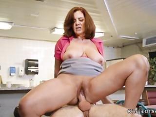 sexando, blowjob, tetona, pareja, duro, madura, milf, madre, natural, pornstar, realidad, camarera